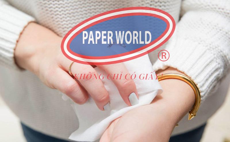 Sử dụng khăn giấy lau tay an toàn