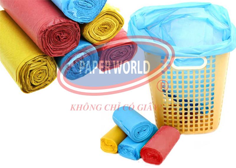 Túi rác nhiều màu vừa vặn với thùng rác